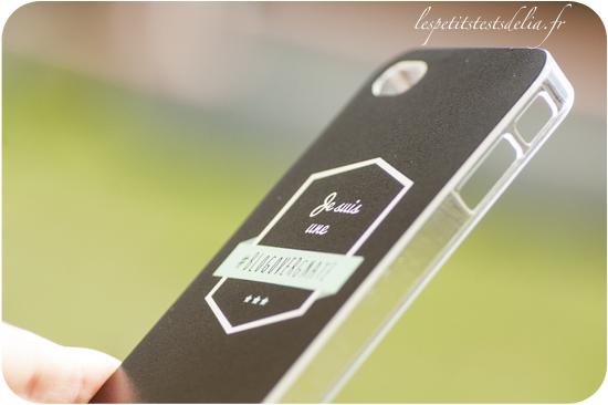 je suis une blogovergnate avec sa coque de t l phone les petits tests de lia. Black Bedroom Furniture Sets. Home Design Ideas
