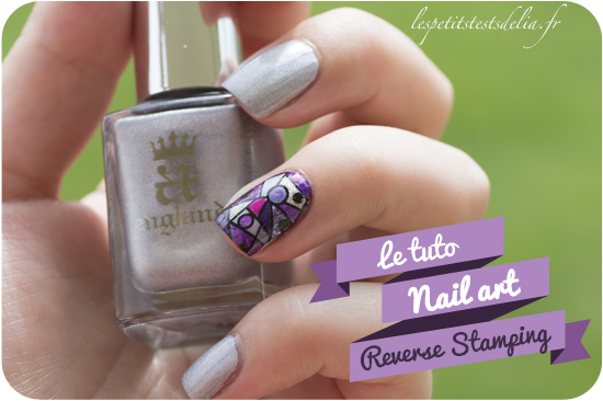 Motif reverse stamping nail art
