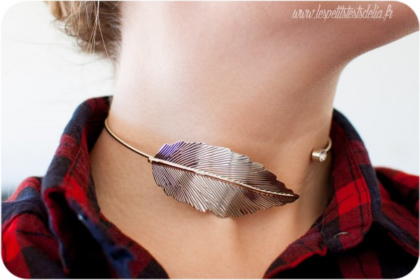 collier plume feuille